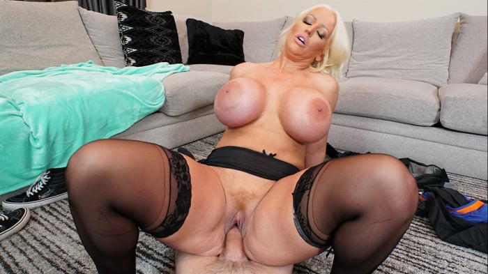 Alura Jenson in Step Mom's New Fuck Toy