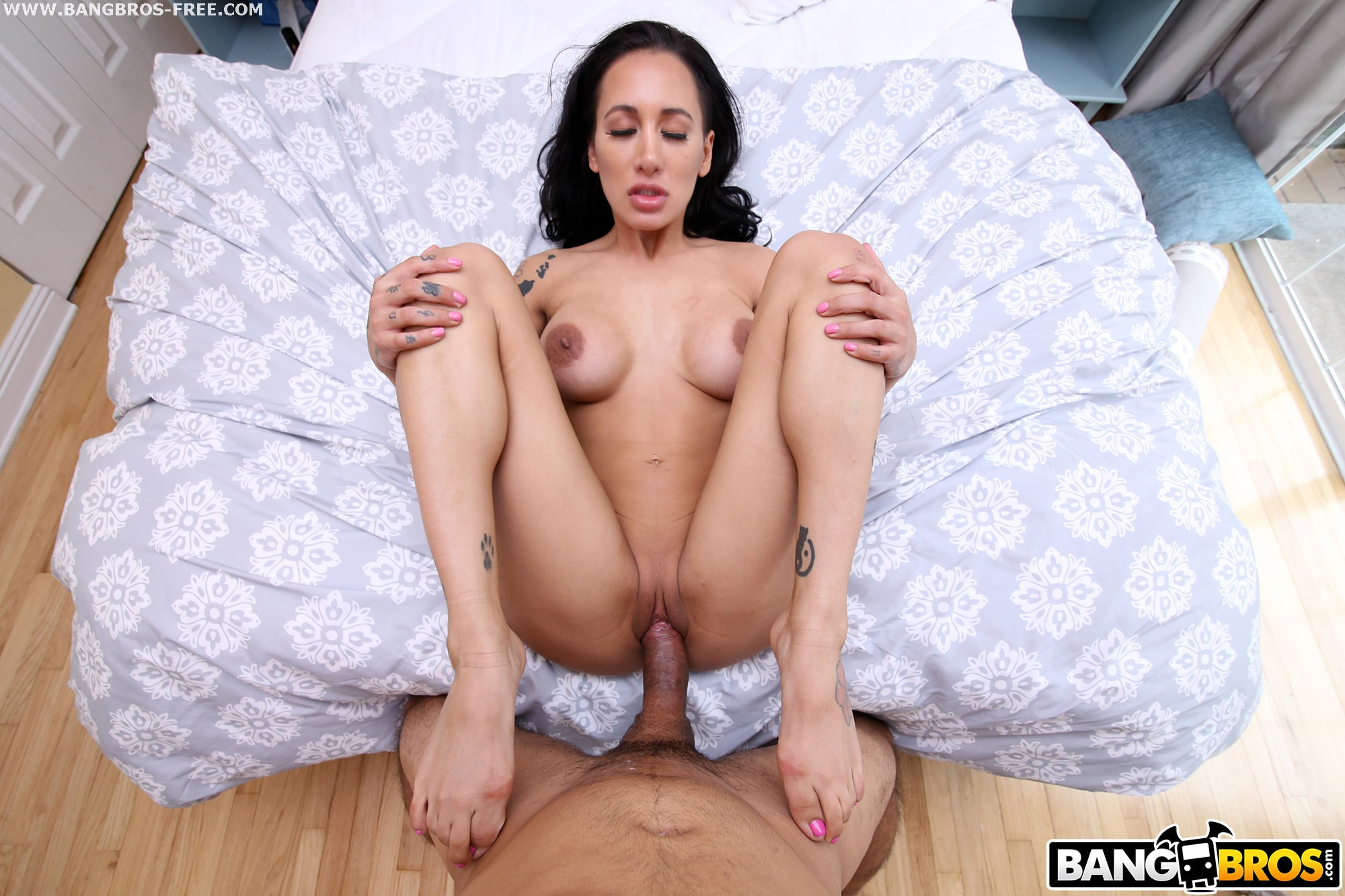 Young American Babe Miley Cole In Pov Porn Scene